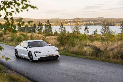 2020 Porsche Taycan turbo S 120