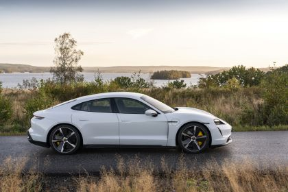 2020 Porsche Taycan turbo S 121