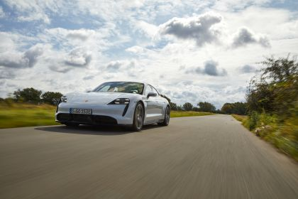 2020 Porsche Taycan turbo S 140