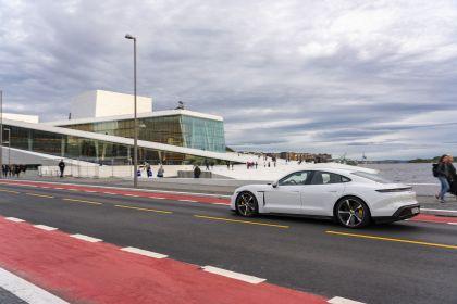 2020 Porsche Taycan turbo S 175