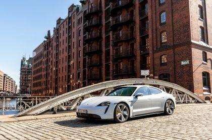 2020 Porsche Taycan turbo S 184