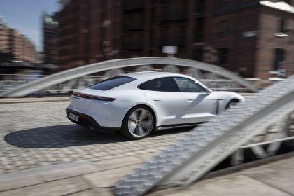 2020 Porsche Taycan turbo S 200