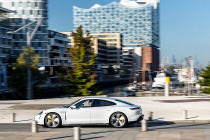 2020 Porsche Taycan turbo S 210