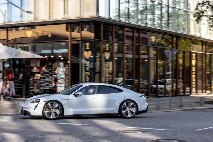 2020 Porsche Taycan turbo S 212