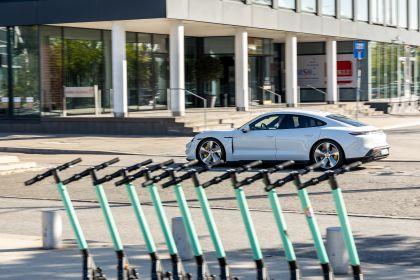 2020 Porsche Taycan turbo S 214