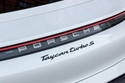 2020 Porsche Taycan turbo S 240