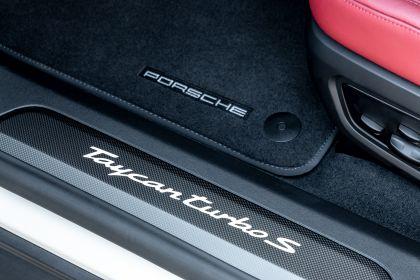 2020 Porsche Taycan turbo S 252