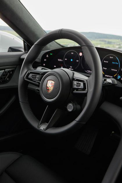 2020 Porsche Taycan turbo S 262