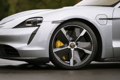 2020 Porsche Taycan turbo S 496