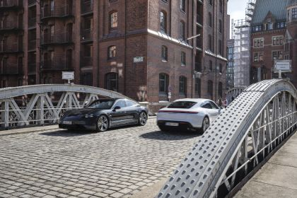 2020 Porsche Taycan turbo S 549
