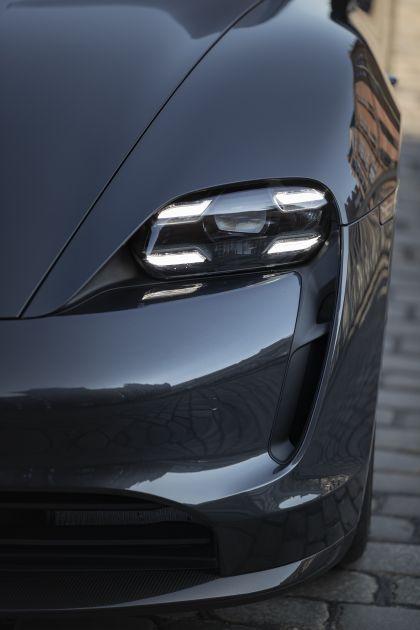 2020 Porsche Taycan turbo S 561