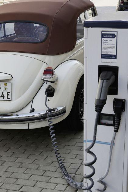2019 Volkswagen e-Beetle concept 35
