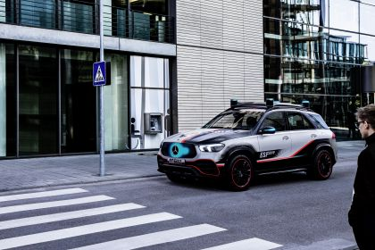 2019 Mercedes-Benz Experimental Safety Vehicle 14