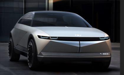 2019 Hyundai 45 EV Concept 1