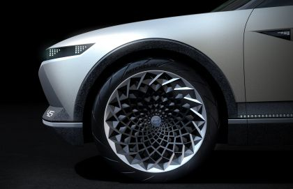 2019 Hyundai 45 EV Concept 7