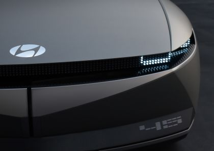 2019 Hyundai 45 EV Concept 10