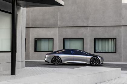 2019 Mercedes-Benz Vision EQS 17