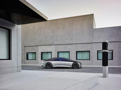 2019 Mercedes-Benz Vision EQS 18