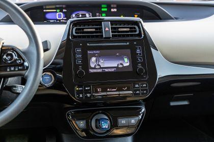 2019 Toyota Prius LE 8