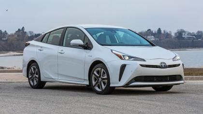 2019 Toyota Prius LE 3