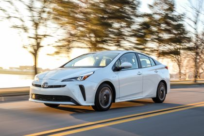 2019 Toyota Prius Limited 1