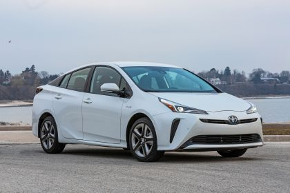 2019 Toyota Prius Limited 5