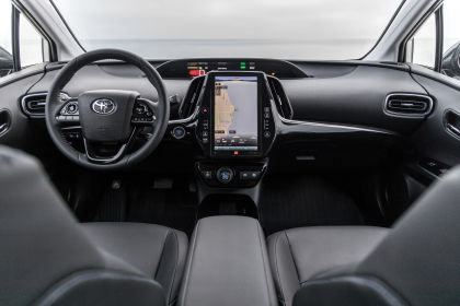 2019 Toyota Prius Limited 13