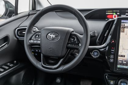 2019 Toyota Prius Limited 14