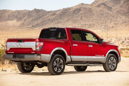 2020 Nissan Titan Platinum Reserve 6