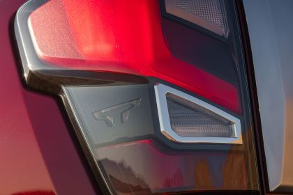 2020 Nissan Titan Platinum Reserve 23