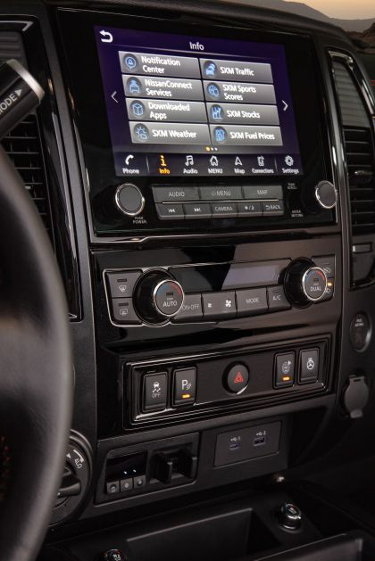 2020 Nissan Titan PRO-4X 33