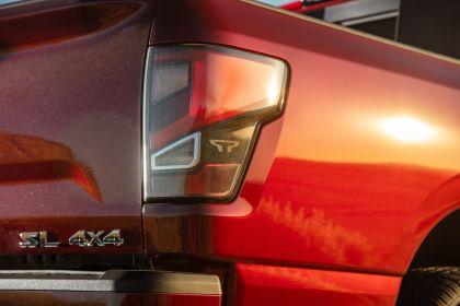 2020 Nissan Titan SL 21