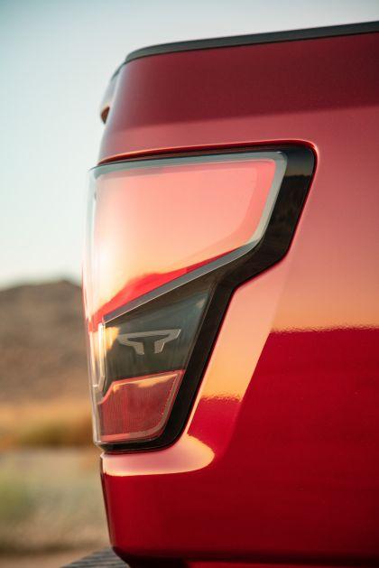 2020 Nissan Titan SL 23