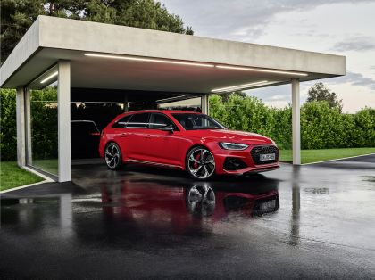 2020 Audi RS 4 Avant 2