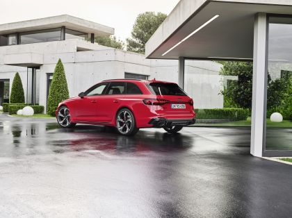 2020 Audi RS 4 Avant 3