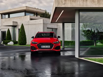 2020 Audi RS 4 Avant 6