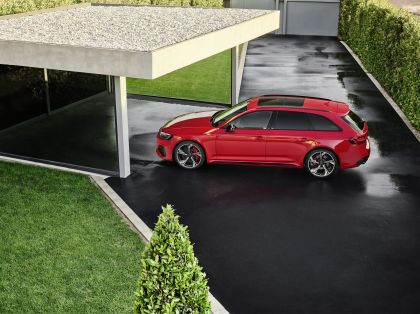 2020 Audi RS 4 Avant 9