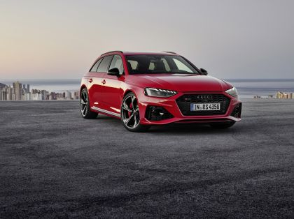 2020 Audi RS 4 Avant 10
