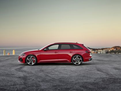 2020 Audi RS 4 Avant 12