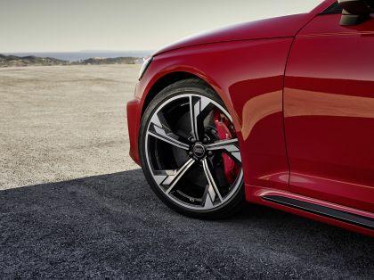 2020 Audi RS 4 Avant 28