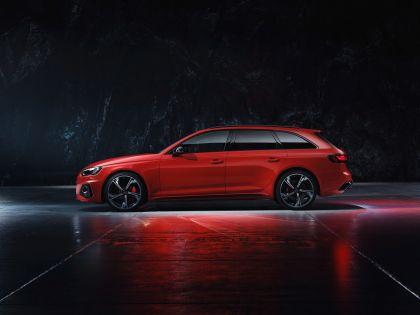 2020 Audi RS 4 Avant 34