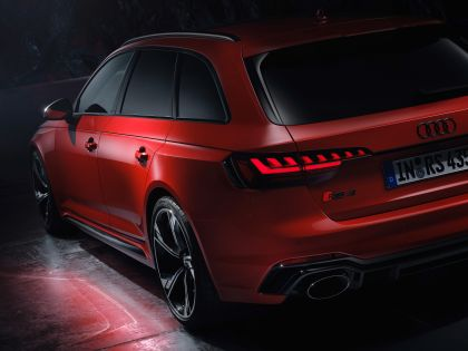 2020 Audi RS 4 Avant 39