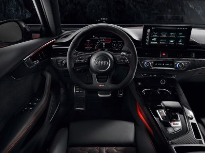 2020 Audi RS 4 Avant 46