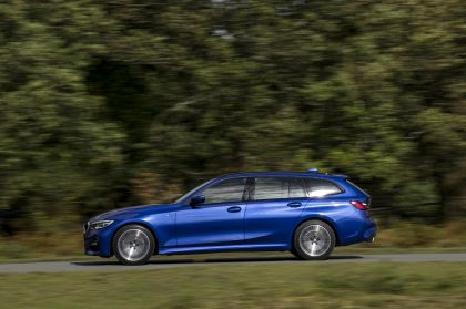 2020 BMW 320d ( G21 ) xDrive touring - UK version 22