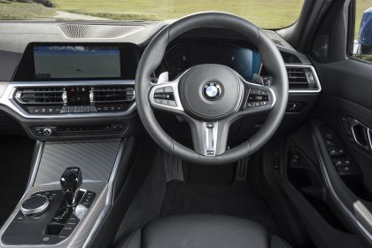 2020 BMW 320d ( G21 ) xDrive touring - UK version 43