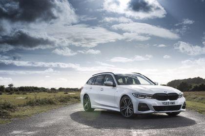 2020 BMW 330i ( G21 ) xDrive touring - UK version 1