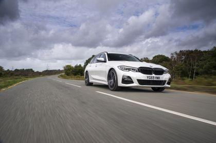 2020 BMW 330i ( G21 ) xDrive touring - UK version 6