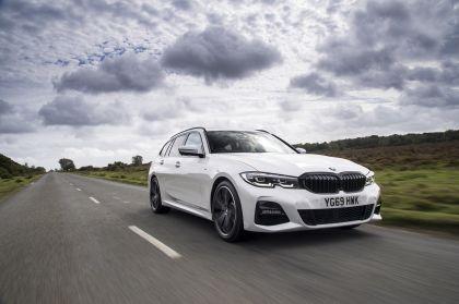 2020 BMW 330i ( G21 ) xDrive touring - UK version 8