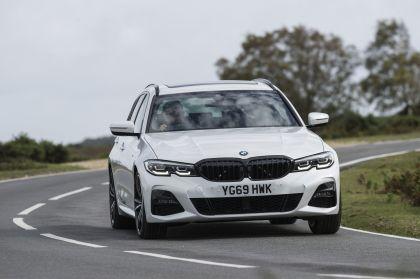 2020 BMW 330i ( G21 ) xDrive touring - UK version 9