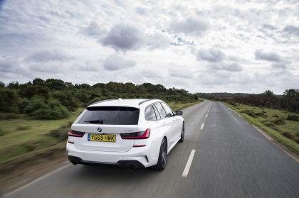 2020 BMW 330i ( G21 ) xDrive touring - UK version 11